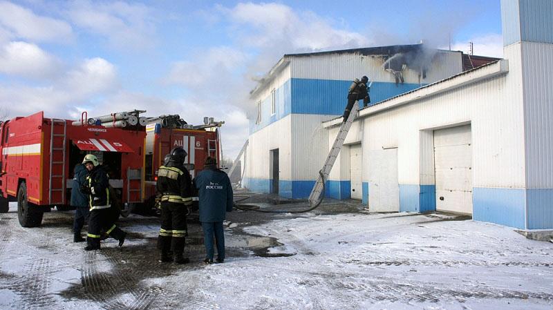 В Челябинске на Копейском шоссе сегодня, 30 октября, едва не сгорела автомойка. Сообщение о пожар