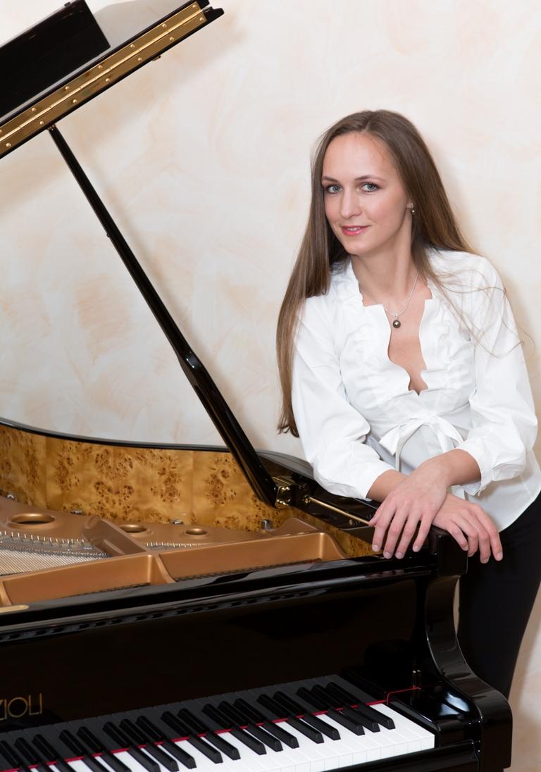 Эта концертная программа также прозвучит 13 сентября в Троицке. Кроме того, музыканты дадут три б