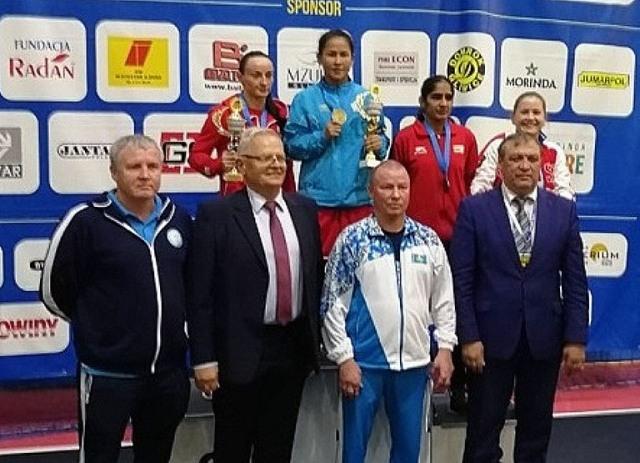 В традиционных состязаниях боксеров в польском городе Гливица южноуральские девушки завоевали «се