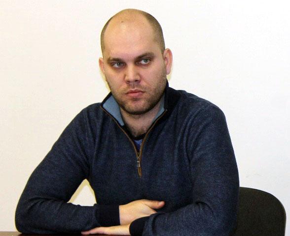 Как пояснил член регионального штаба Народного фронта Вячеслав Курилин, долг заемщицы банк продал