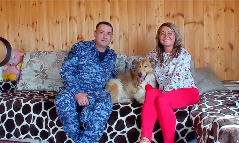 Кинолог из полиции Златоуста (Челябинская область) Максим Бикбаев встретился с псом Максом, котор