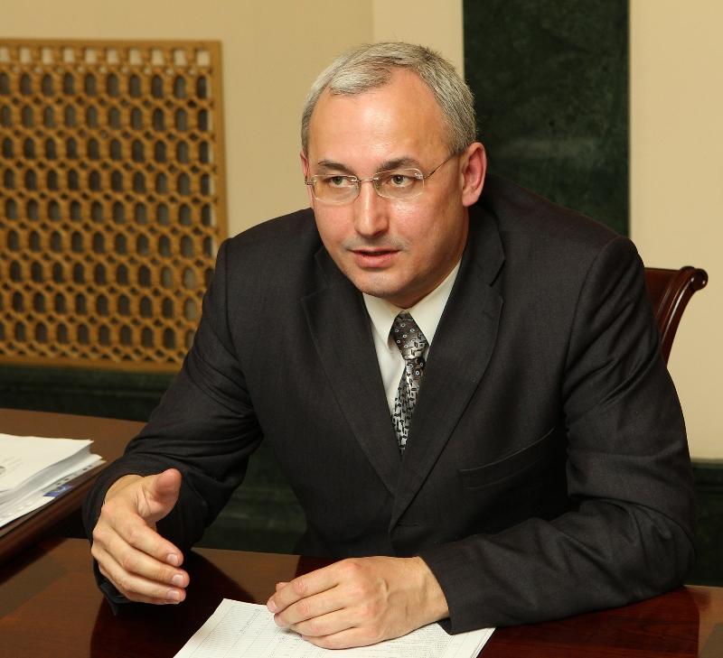 Такой совет дал родителям выпускников, озабоченных армейским призывом, министр образования Челяби