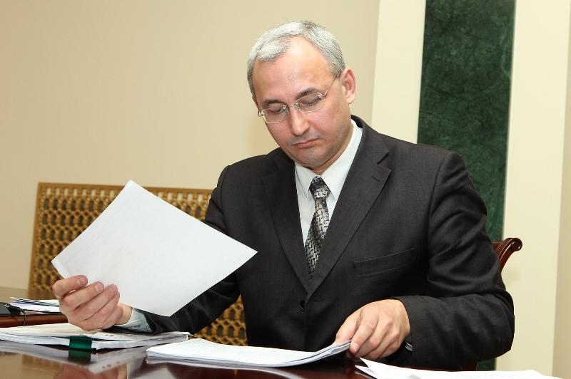 «Для нас эта процедура не новая, - рассказал агентству «Урал-пресс-информ» министр Александр Кузн