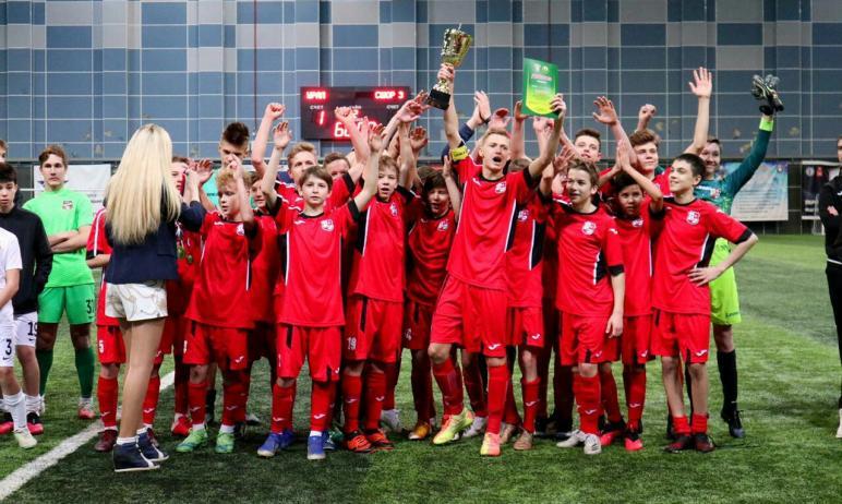 Футболисты из спортшколы № 3 Челябинска стали победителями первенства России среди юношей в зоне