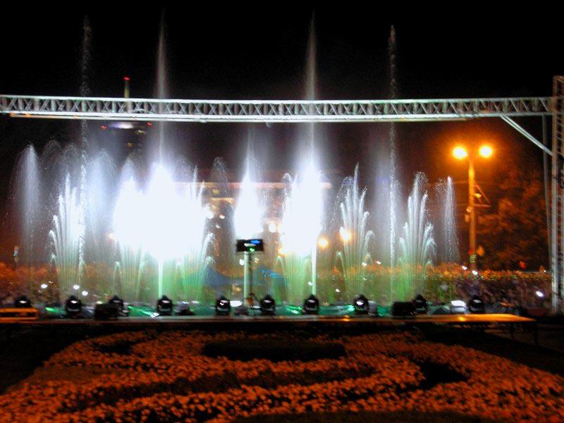 Шоу света, звука и воды – подарок челябинцам на 275-летие столицы Южного Урала.В течение дв