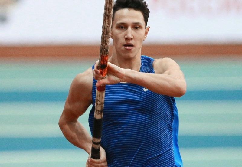 Челябинский легкоатлет Тимур Моргунов завоевал бронзовую медаль в прыжках с шестом на этапе «Брил