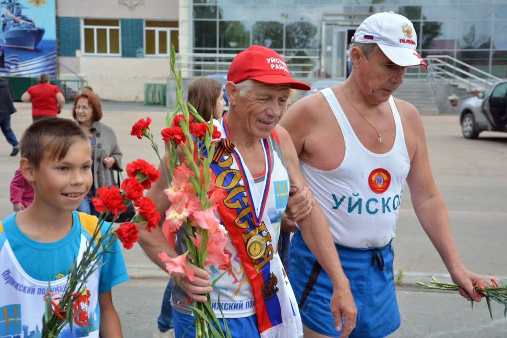 В Челябинской области 66-летний житель Миасса Владимир Герцог пробежал супермарафон длиною сто ки