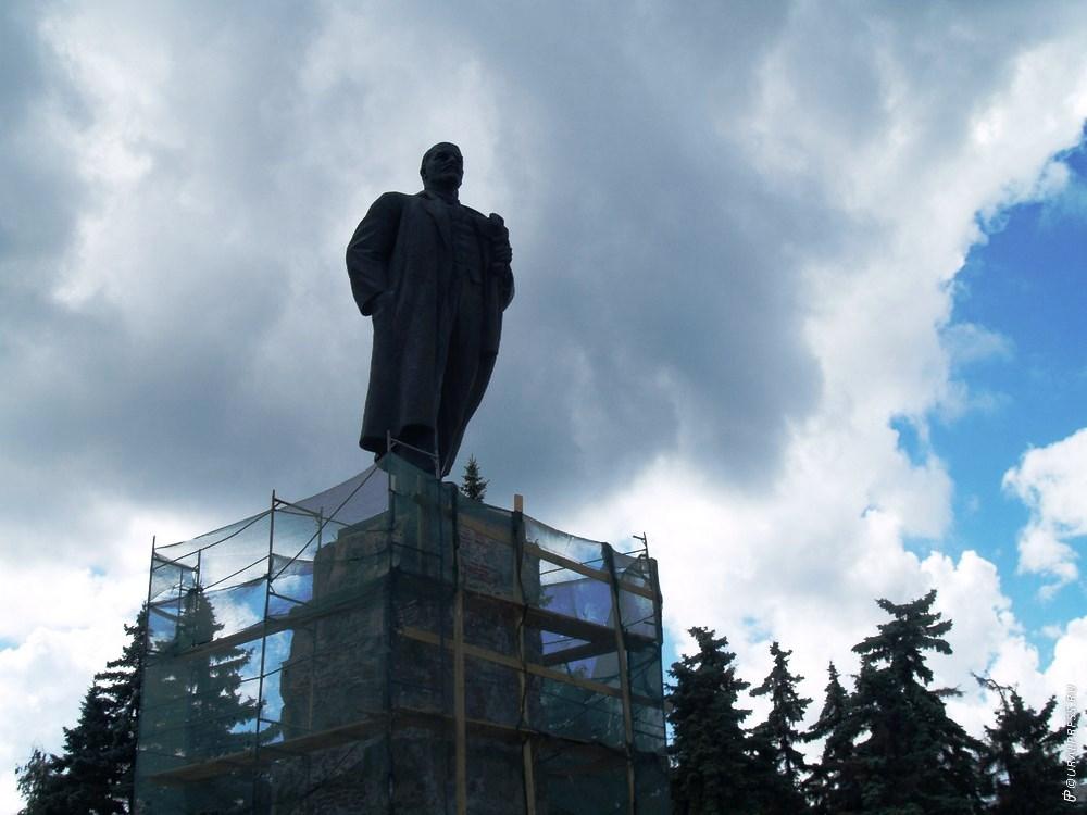 Впервые за много лет челябинские коммунисты не пришли к памятнику вождю мирового пролетариата Вла