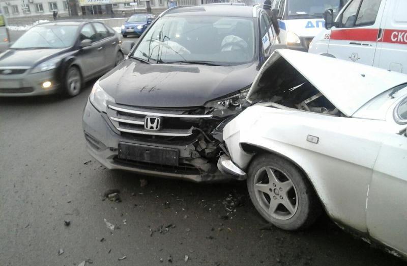 Авария произошла второго февраля в 16 часов 15 минут у дома 56 на проспекте Ленина