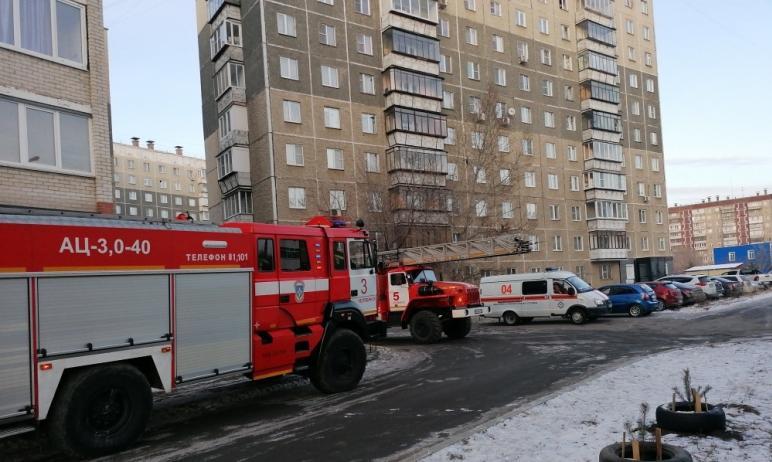 В Тракторозаводском районе Челябинска произошел пожар на третьем этаже высотного здания. По предв