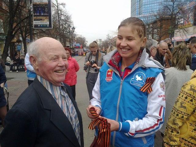 На Кировку вышли председатель Законодательного Собрания региона Владимир Мякуш, заместитель минис