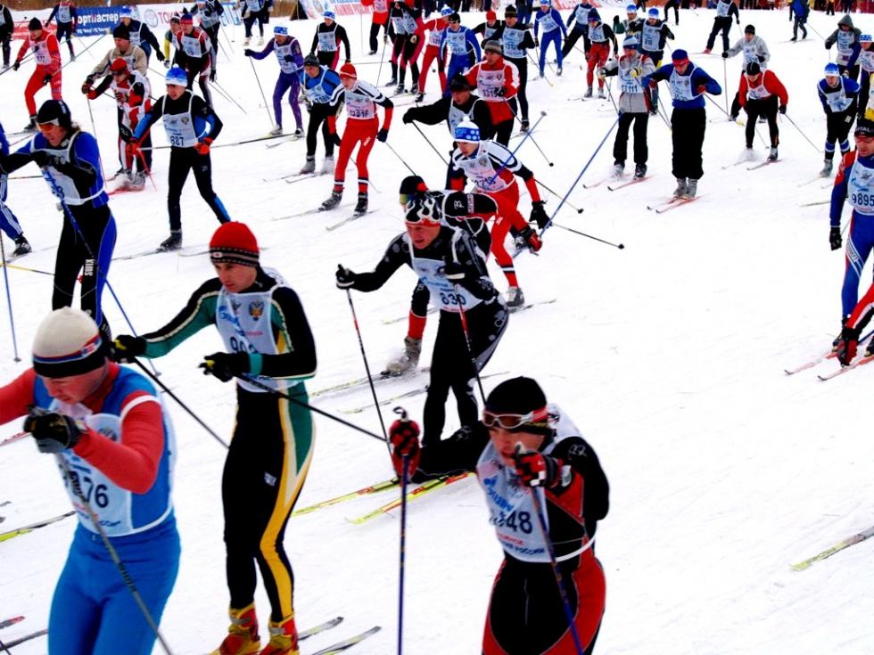 В составе команды четверо спортсменов с нарушением слуха - Юрий Макеев, Олег Дарчиев, Сергей Жиро