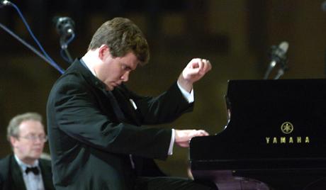Гала-концерт на открытии форума соберет лучших российских и зарубежных исполнителей. Вместе с орг