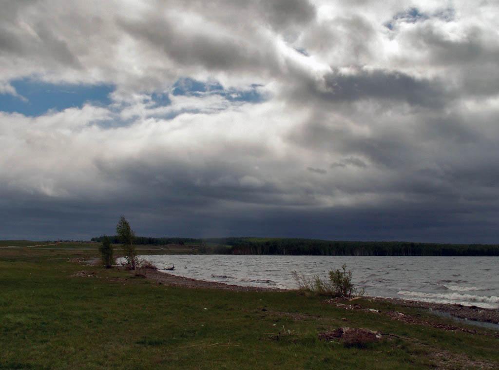 На Южном Урале ожидается резкое усиление ветра. Существует вероятность увеличения количества ДТП.