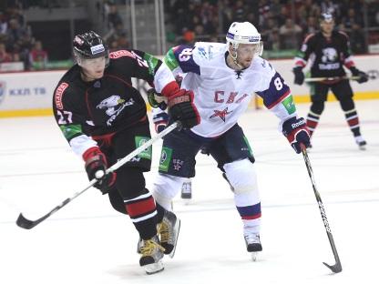 Победный задел хоккеисты СКА обеспечили себе уже в первом период, забр
