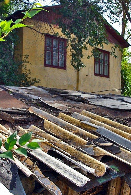 Инцидент с частичным обрушением потолка произошел в пятницу, 28 августа, вечером.
