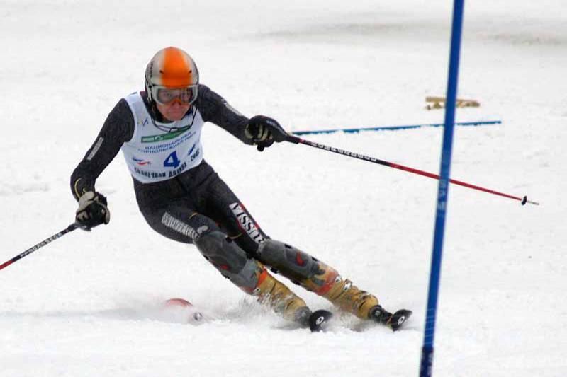 По традиции, горнолыжники и сноубордисты пользовались подъемником бесп