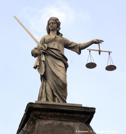 Как сообщили агентству «Урал-пресс-информ» в суде, в отношении Тесленк