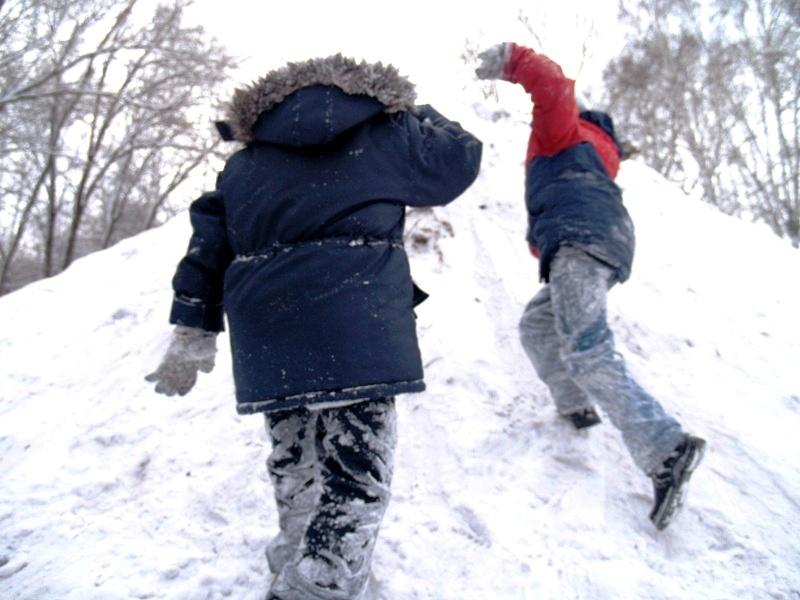 По данным Гидрометцентра, сегодня утром в Челябинске было минус 24 градуса, ветер юго-восточный 1
