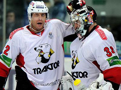 В первом периоде после затяжной атаки ворота «бело-голубых» распечатал Максим Якуценя. Во втором