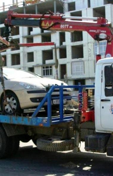 ГИБДД Челябинской области пообещаларешить проблему с парковкой автомобилей, в которых приво