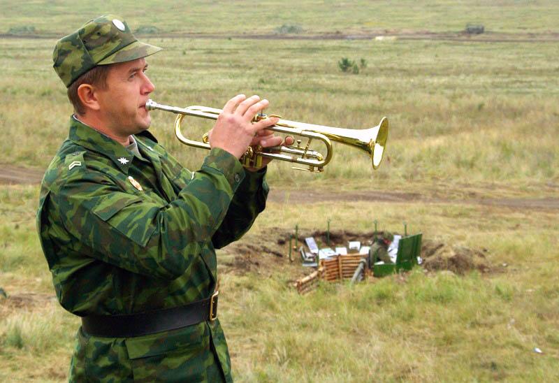 Дивизионные тактические военные учения под руководством заместителя командующего войсками Централ