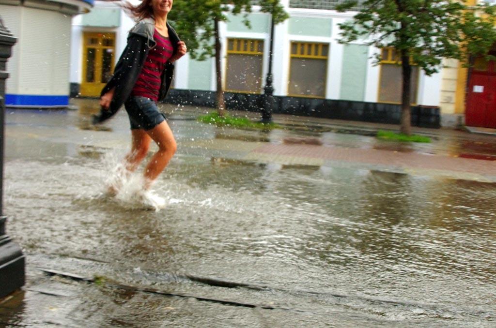 Синоптики предупреждают жителей Челябинской области об ухудшении погодных условий – сильные ливни