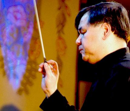 За плечами Адика Абдурахманова – работа в оркестрах Санкт-Петербургского и Челябинского театров о