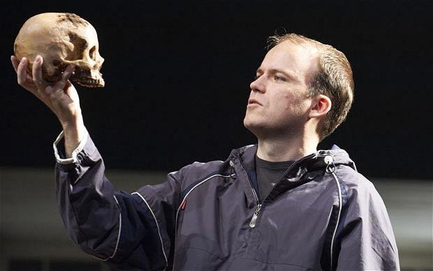 Рори Киннер — британский актер театра и кино. Наиболее известен по рол