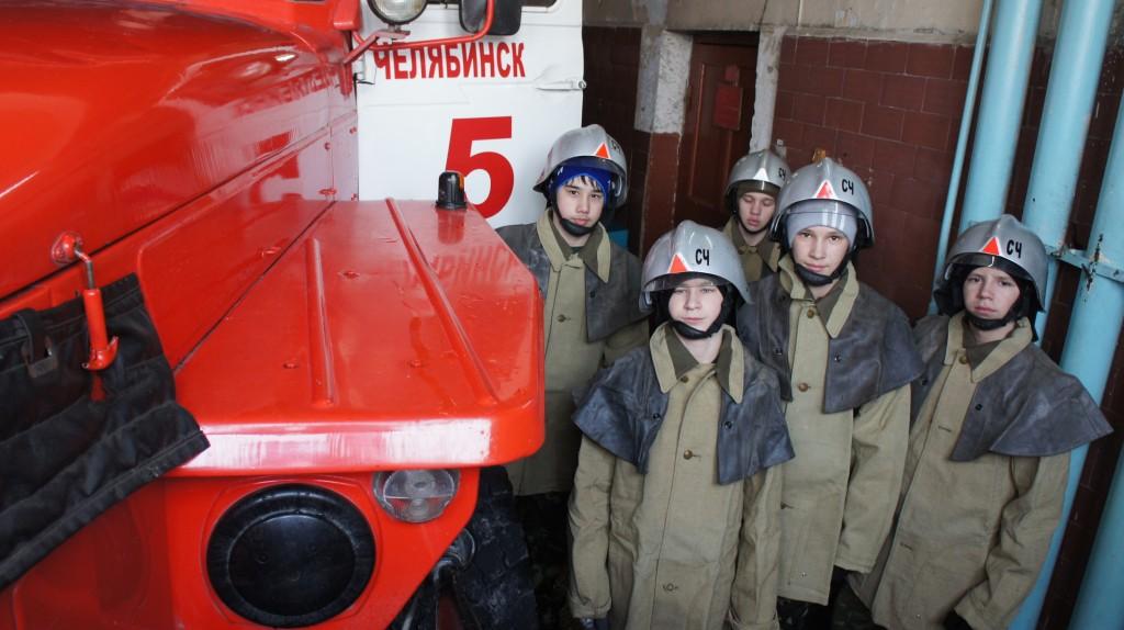 Сотрудники пожарной части рассказали своим гостям об истории возникнов