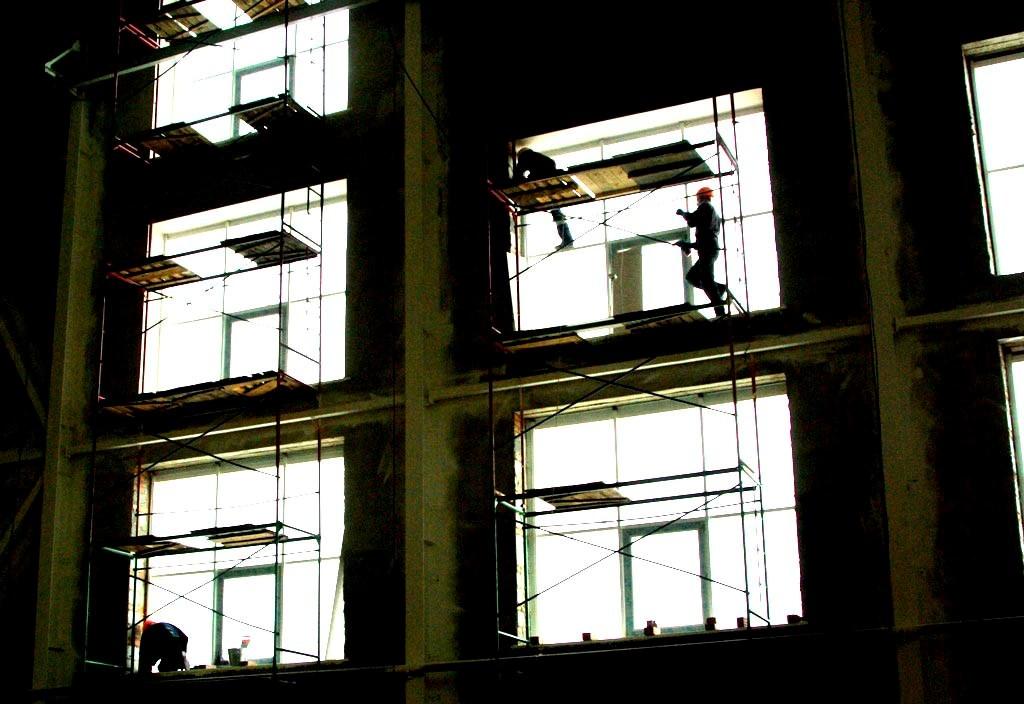 В девятиэтажном кирпичном доме серии «Магистр» 144 квартиры улучшенной планировки общей площадью