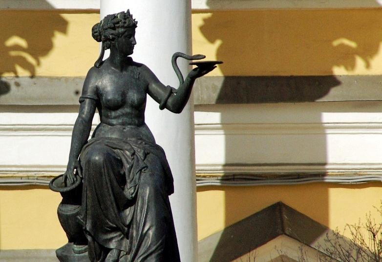 Как рассказали агентству «Урал-пресс-информ» в пресс-службе облсуда, истица в 2010 году рожала в
