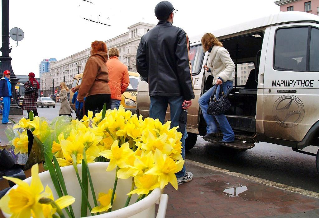 Там требуют проверить маршрутных перевозчиков, поднявших стоимость проезда с 23 до 25 рублей. Нап