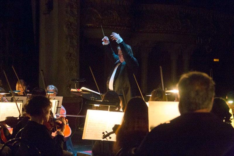 В программе Симфония № 38 («Пражская») и Концерт для фортепиано с оркестром № 12 ля мажор Моцарта