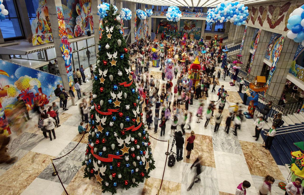 Дети Челябинской области отпразднуют Новый год в столице. На главную ёлку страны в Кремль отправя