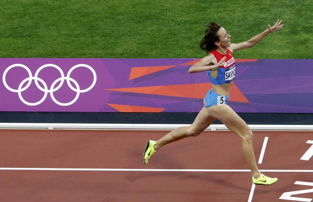 Чемпионка Лондона-2012 Мария Савинова золотую медаль Олимпийских игр подарит маме, у которой в де