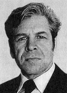 Борис Павлович Маршалов родился 13 марта 1927 года в Челябинске. В 1958-м году он окончи