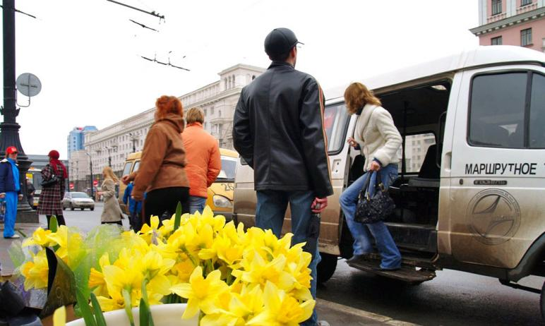В Челябинске перевозчики продолжают повышать цены на проезд в маршрутках. Ровно через месяц повыс