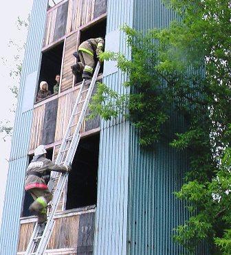 По замыслу учений, аварийно-спасательные формирования были задействованы для ликвидации серьёзног