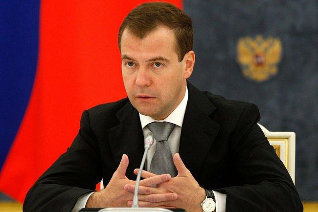 Глава государства Дмитрий Медведев накануне подписал Указ о назначении полпредов в трех округах и