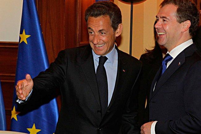 Д.Медведев и Н.Саркози обменялись мнениями по наиболее острым международным проблемам, обсудили с