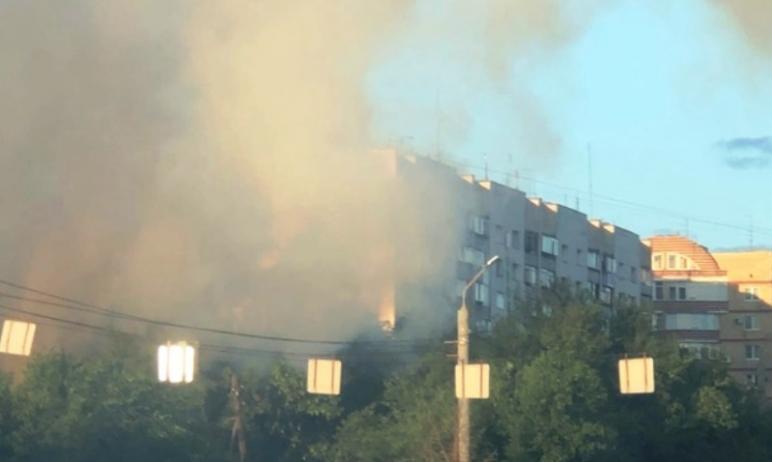 В Ленинском районе Челябинска случился пожар в деревянном доме, сообщили в пресс-службе ГУ МЧС по
