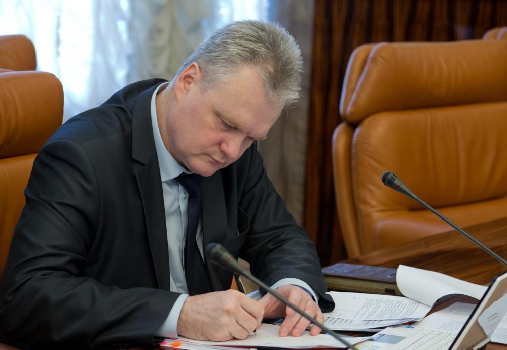Министр дорожного хозяйства и транспорта Челябинской области Дмитрий Микулик уво