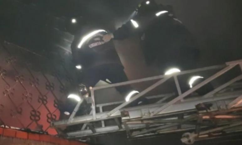 Сегодня, 11 декабря, ночью в Миассе (Челябинская область) произошел страшный пожар. Хозяин домовл