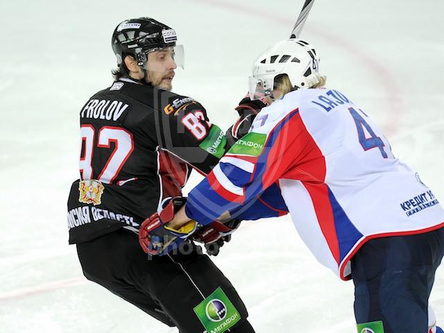 Уральцы проиграли сибирякам – 1:3. Счет в серии плей-оф до четырех побед - 2:1 в пользу омичей. С