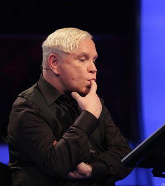 Известный певец Борис Моисеев находится в состоянии искусственной комы. По словам его пресс-секре