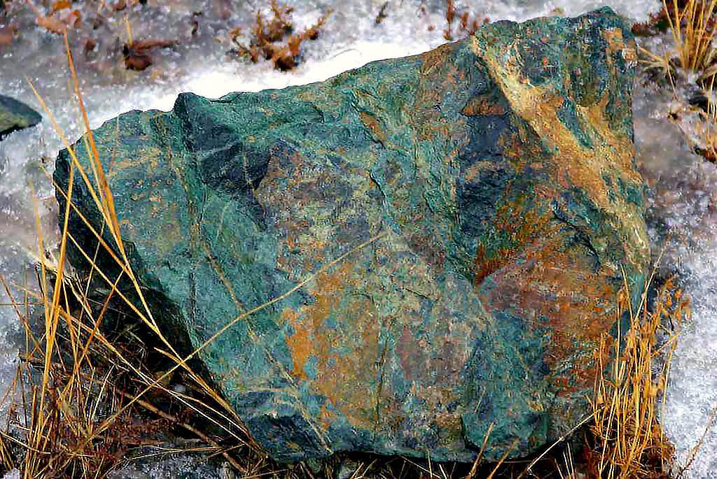 Семь участков недр местного значения, содержащих общераспространенные полезные ископаемые, выстав