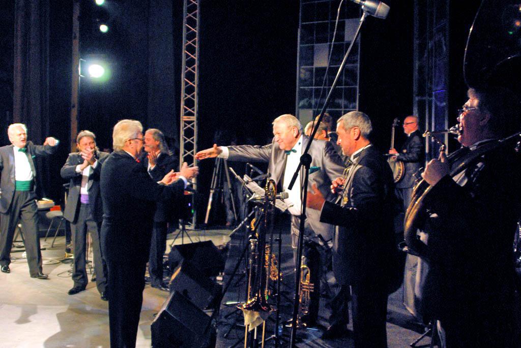 Первый концерт прошел в 2007 году, спустя несколько месяцев после сме