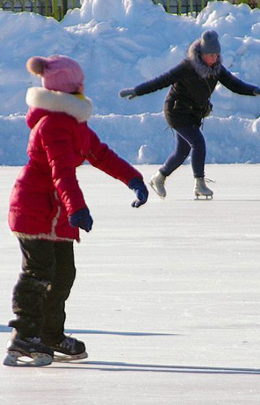 В связи с низкими температурами воздуха занятия в школах Троицка (Челябинская область) с 1 по 5 к