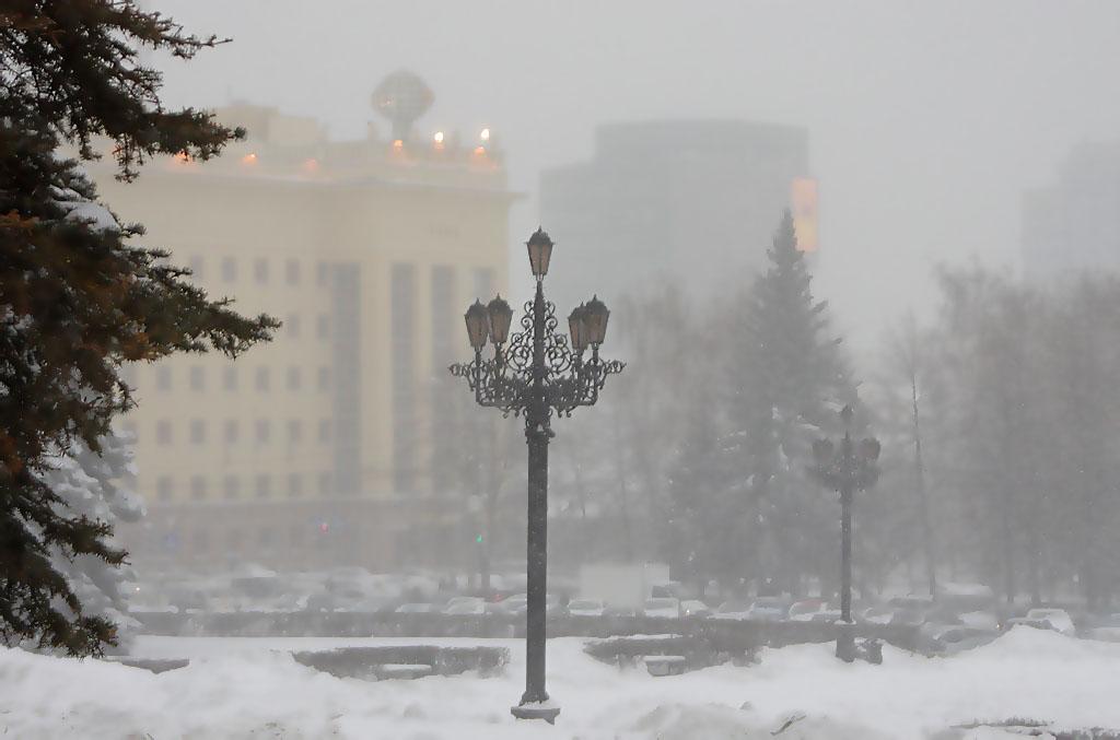 Холодная погода в Челябинской области, обусловленная обширным антициклоном, продолжится еще неско